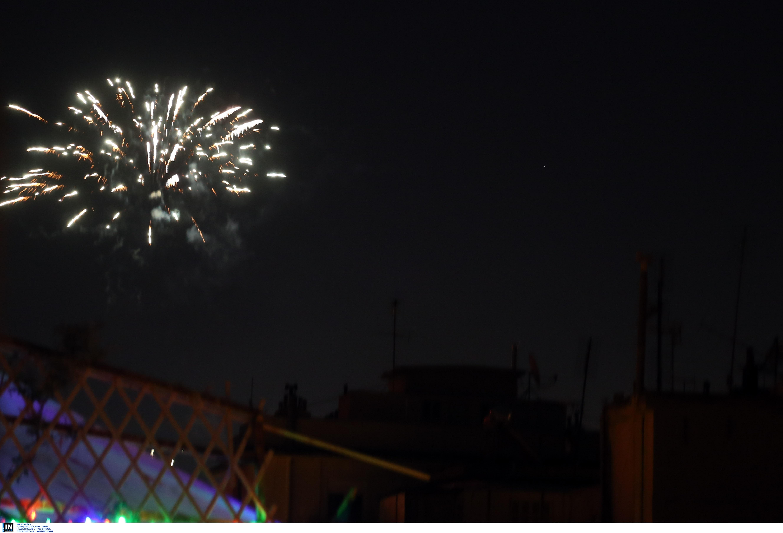Η Θεσσαλονίκη υποδέχθηκε το 2021 με χιλιάδες πυροτεχνήματα, φωτογραφία-1