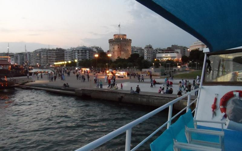 84660027c08a Θεσσαλονίκη  Βόλτα στο Θερμαϊκό με καραβάκι για τη… ΝΔ – Ποιοι ήταν εκεί
