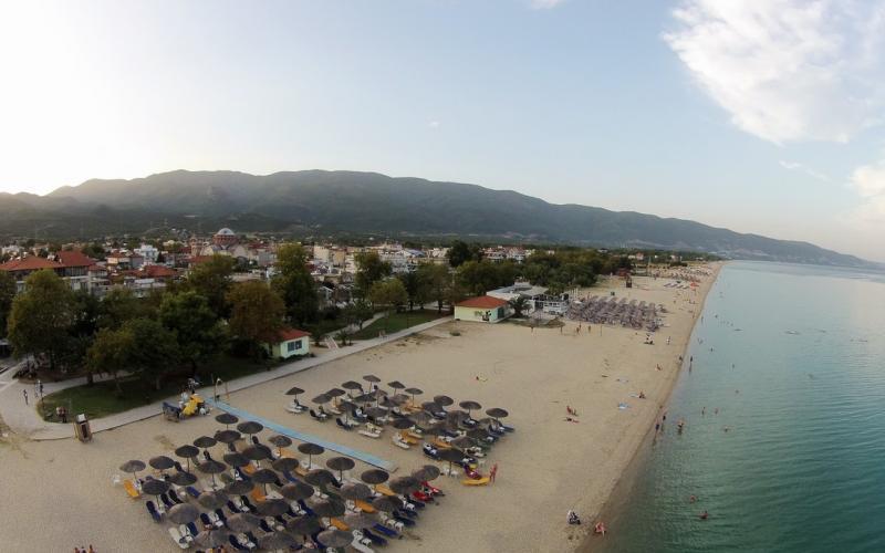 5a1991898 Θεσσαλονίκη: Γαλάζιες σημαίες σε 8 μαγευτικές παραλίες της Βόλβης (ΦΩΤΟ)