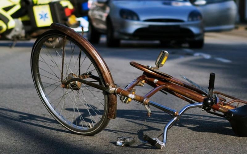 Αποτέλεσμα εικόνας για Με το όχημα που οδηγούσε παρέσυρε σκόπιμα την 51χρονη που επέβαινε σε ποδήλατο