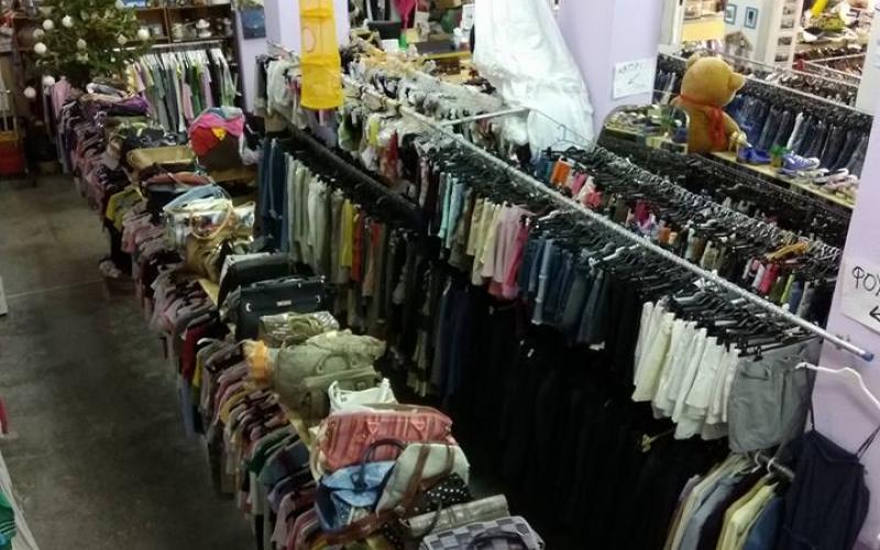 a2b90db3941 Θεσσαλονίκη: Ρούχα έως… 2 ευρώ σε γνωστό μαγαζί – Για 6 ώρες ...