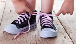 aa2adfb33b8 Χαλκιδική: Δωρεάν παπούτσια σε 254 παιδιά άπορων οικογενειών (ΦΩΤΟ)  24/05/2017 15:27